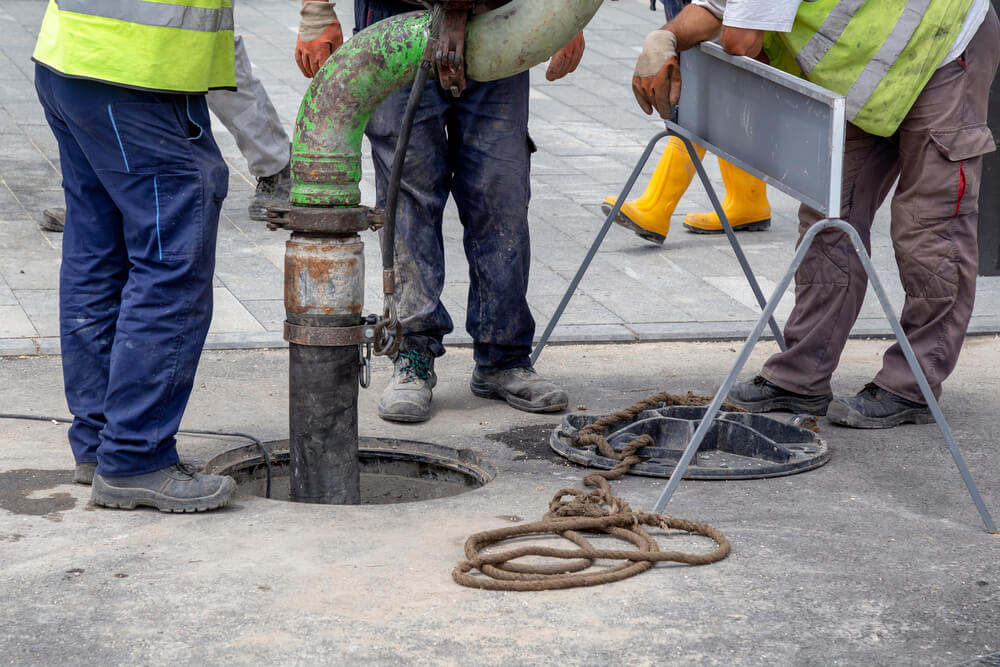 Sewer Lines Cleaning Service - Tom's Plumber and Draning Services, LLC